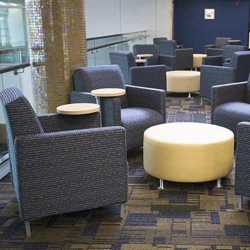 Hugo lobby seating tables bakagain